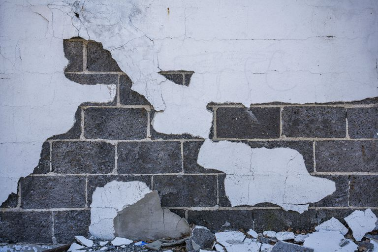 Learn How To Build A Cinder Block Wall - Cinder block wall