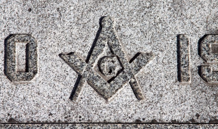 Freemason compass/square on tombstone