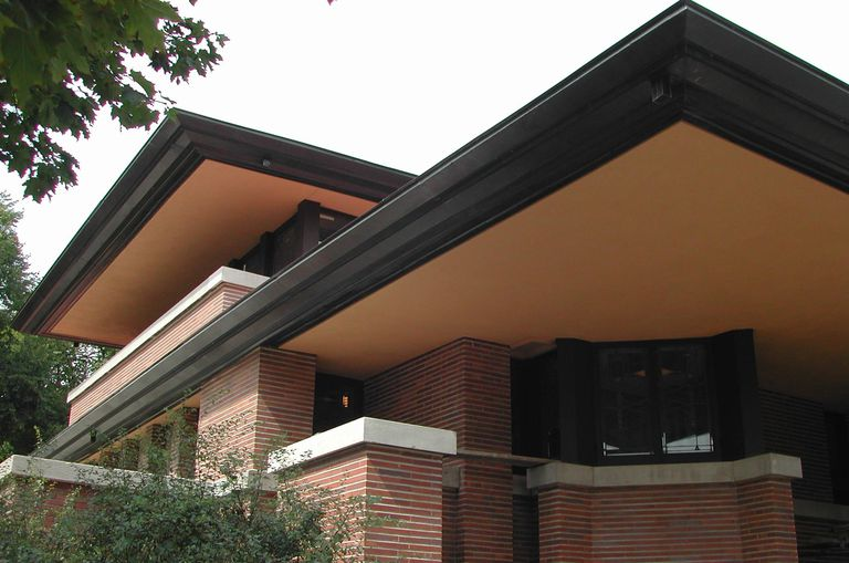 Frederick Robie house, Chicago, exterior east cantilever and south bedroom cantilever, the soffits have been replastered and painted their original color