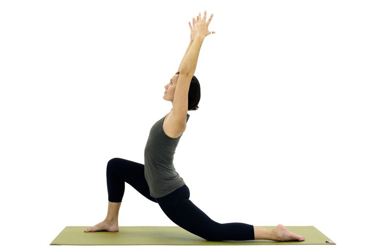 How to Do Crescent Lunge - Anjaneyasana