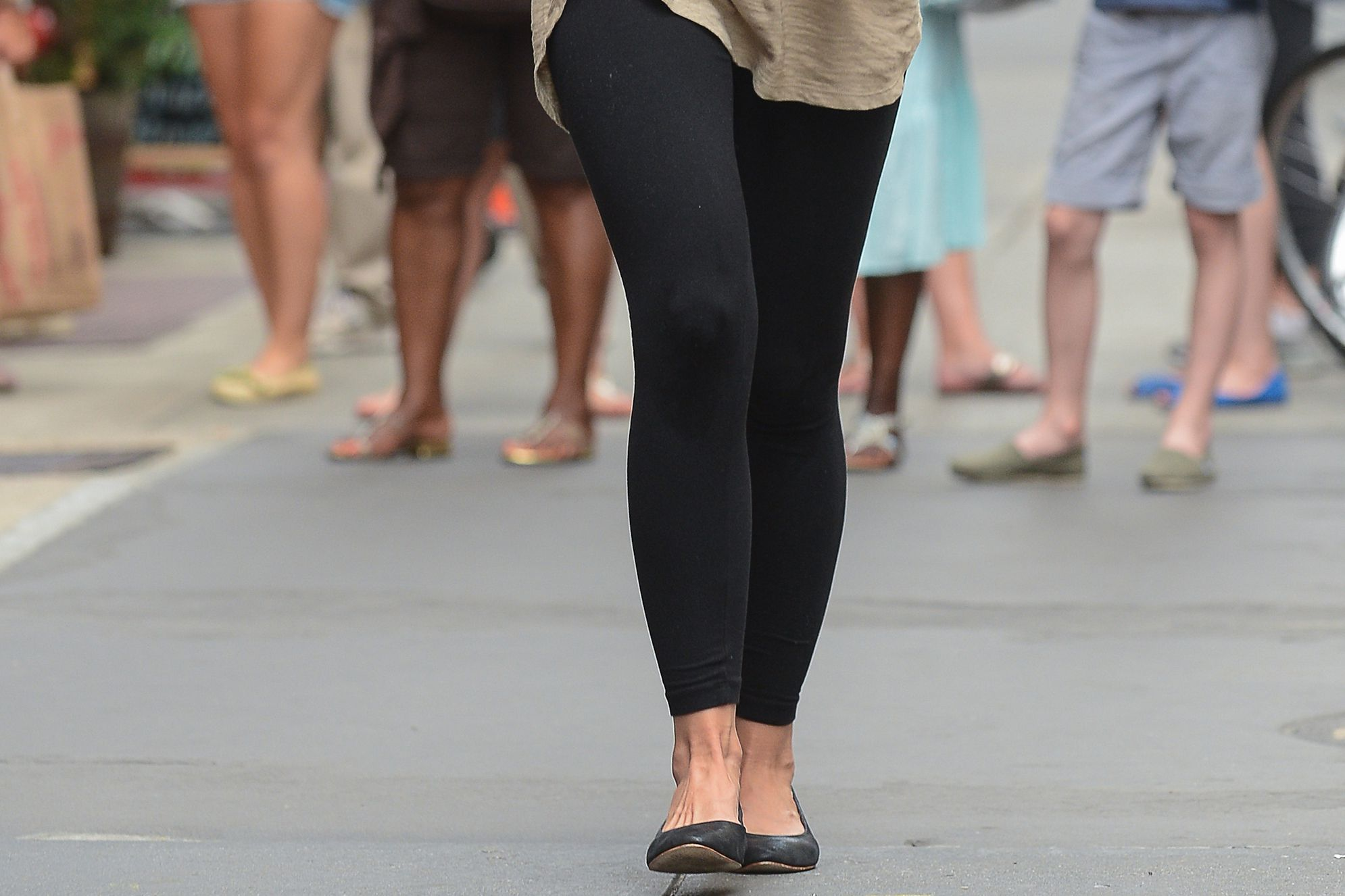 The Best Shoes To Wear With Leggings-7203