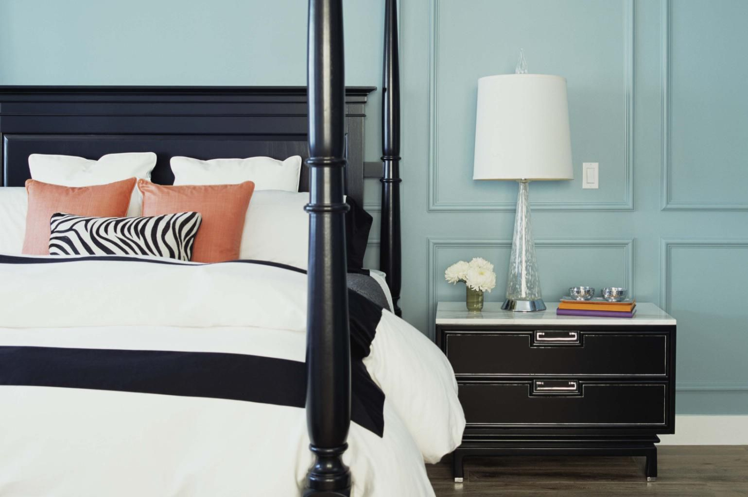 How to make any room look bigger just by painting it the - Crucial Tips For Choosing Colors For A Small Room