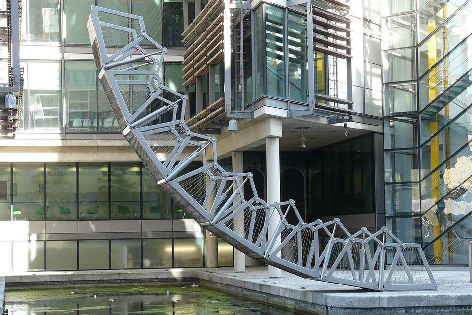'The Rolling Bridge' by Thomas Heatherwick, Paddington Basin