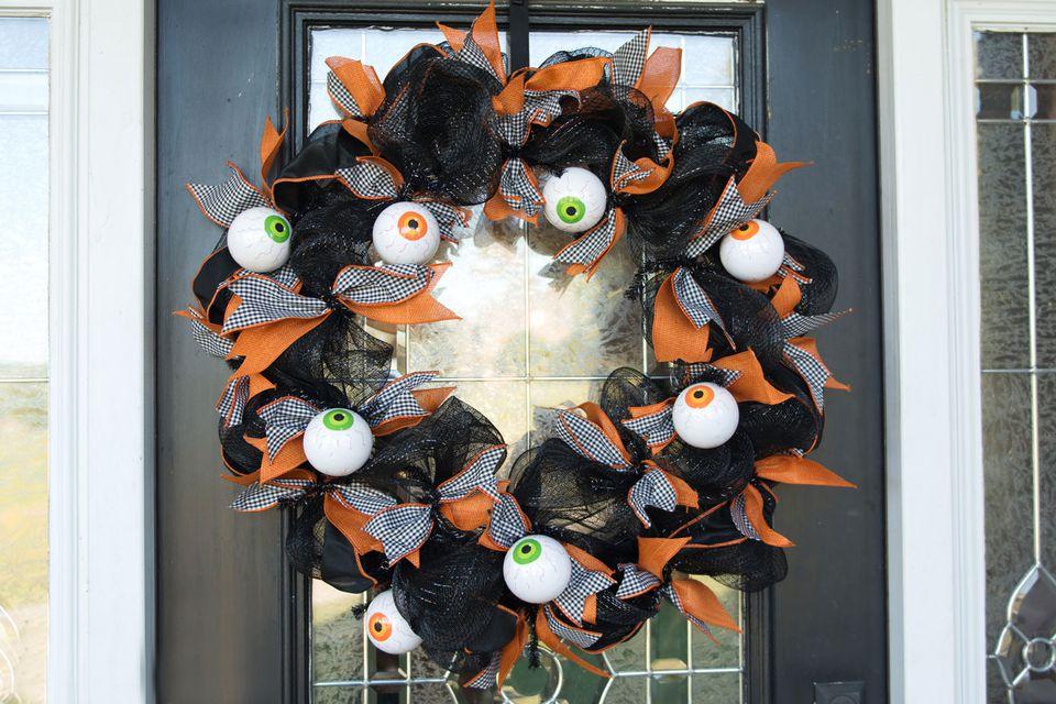 Eye-ball-Halloween-Wreath