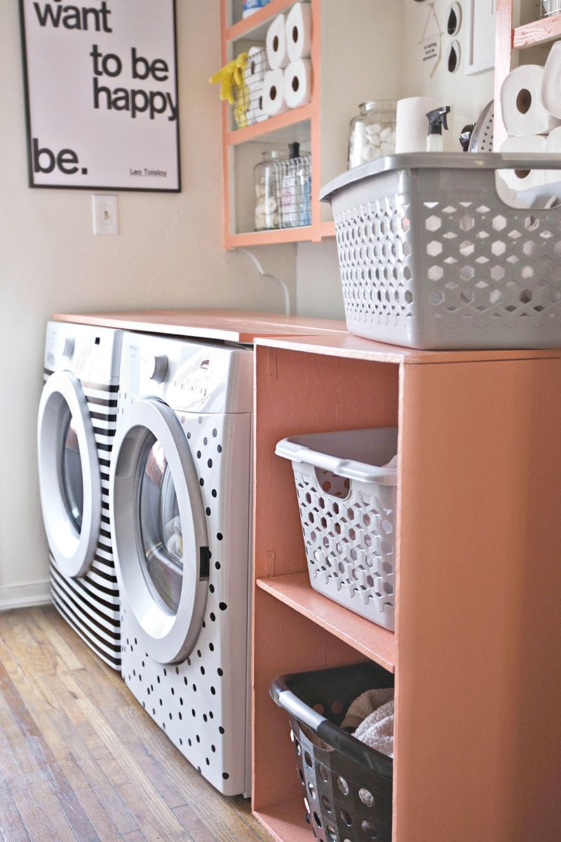 20 clever diy laundry room ideas diy laundry room shelf solutioingenieria Gallery