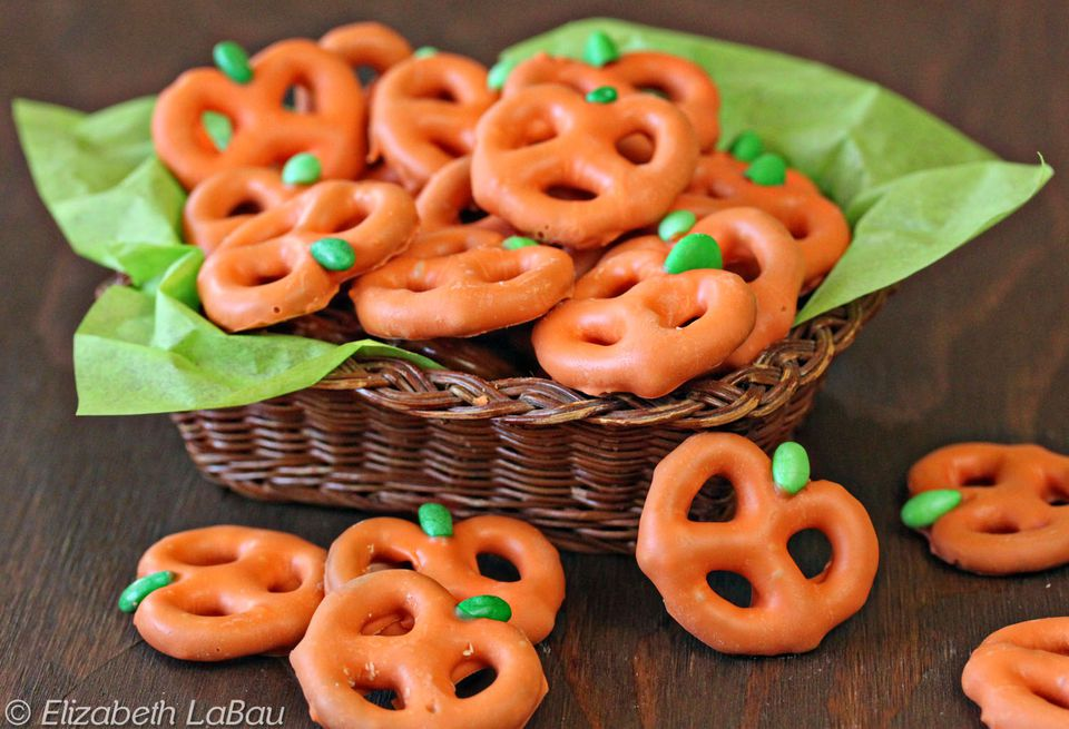 19 Brilliant Appetizers and Spooky Snacks for Halloween