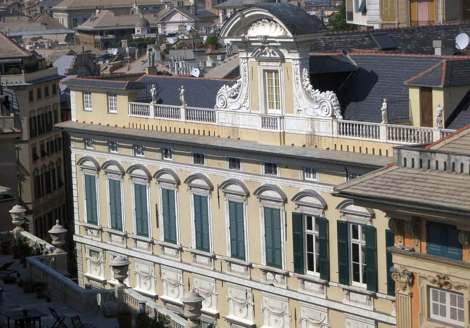 Genoa Italy Travel Guide and Tourist Attractions