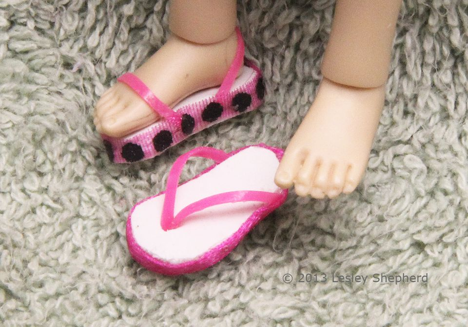 Beach sandals and flip flops in 1:12 dollhouse scale.