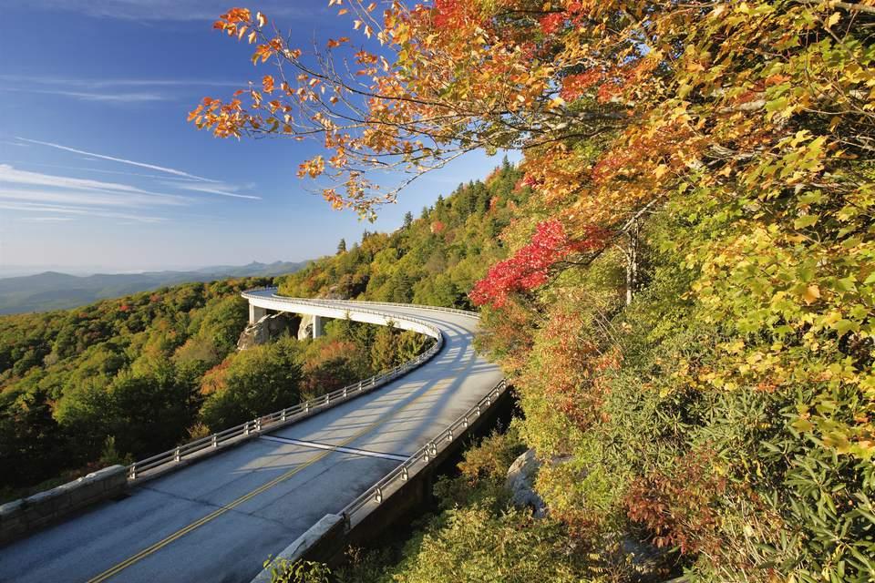 Linn Cove Viaduct and fall colours