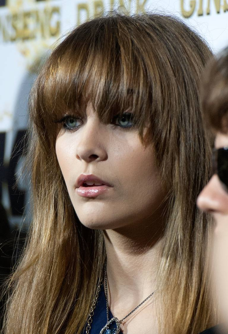 20 Photos Of Blunt Bang Hairstyles Paris Jackson