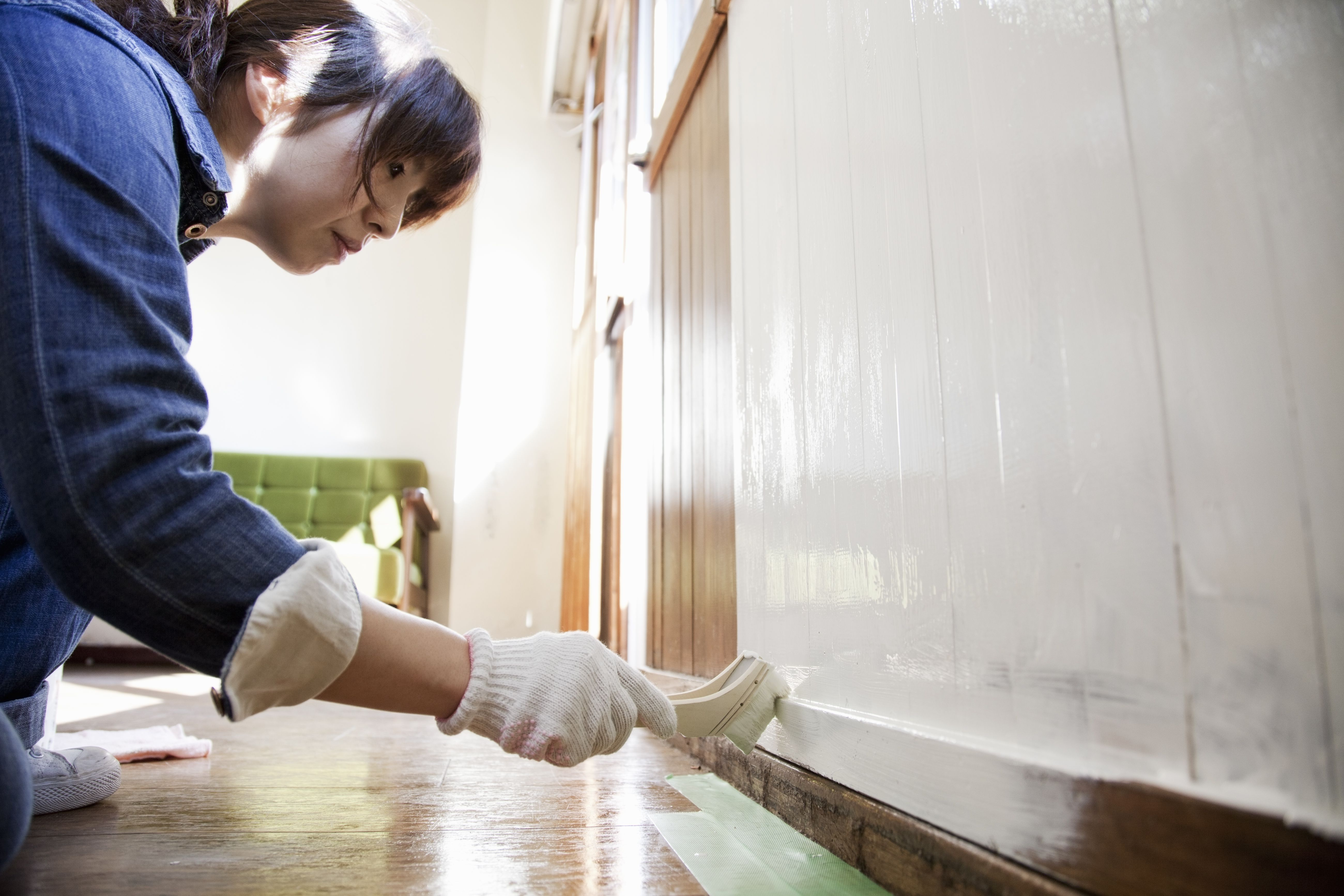 How to Paint Wood Paneling the Right Way