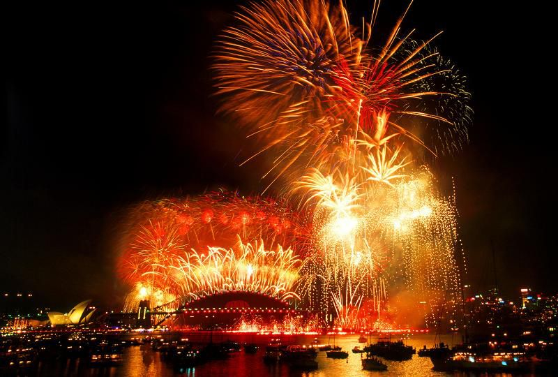 Fireworks usher in the new year © City of Sydney
