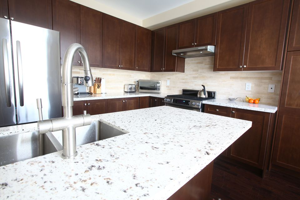 Solid surface vs quartz countertop Kitchen countertops quartz vs solid surface