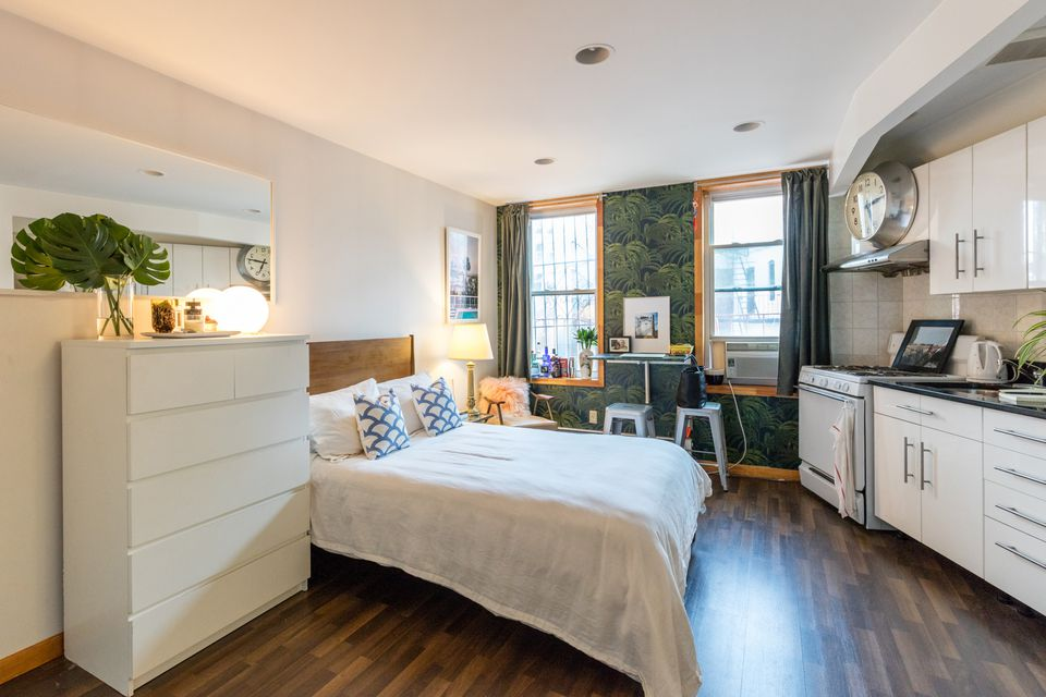 12 perfect studio apartment layouts that work for Small apartment setup