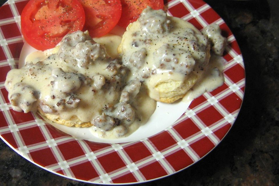 Sawmill Gravy With Sausage