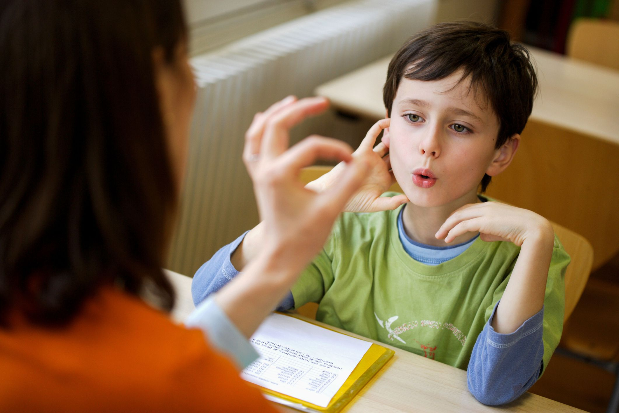 help with speech therapy A communication partner can be a big help with speech therapy exercises a helper can let you know whether an answer is correct or clear, provide cues when you're stuck, or engage in conversation to help you practice a strategy.