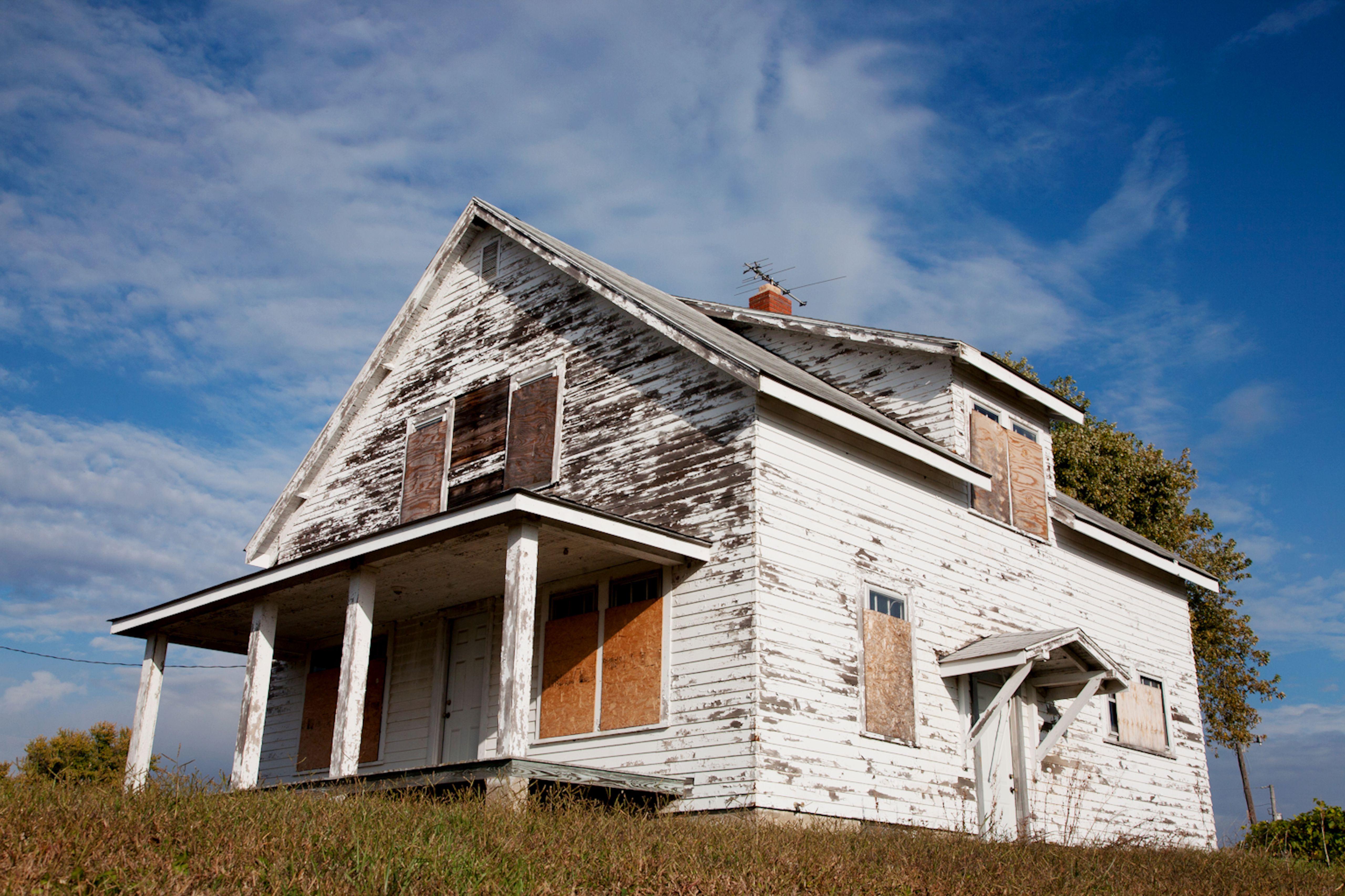 7 Steps to Fix Peeling House Paint