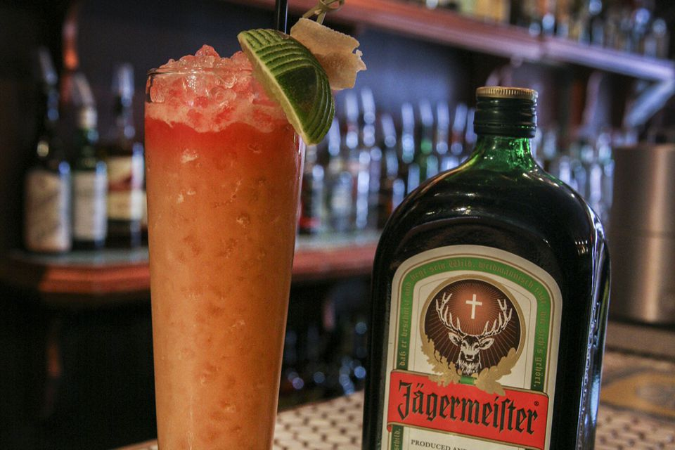 10 tasty jagermeister drinks beyond the jager bomb for Cocktail jager