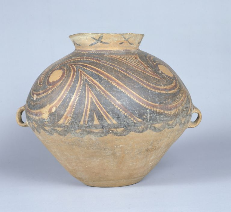 Jar decorated in spirals used for storing food, painted pottery, China, Banshan phase of Yangshao Culture, 18th-14th Century BC