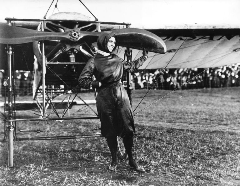 Pilot Harriet Quimby with Airplane