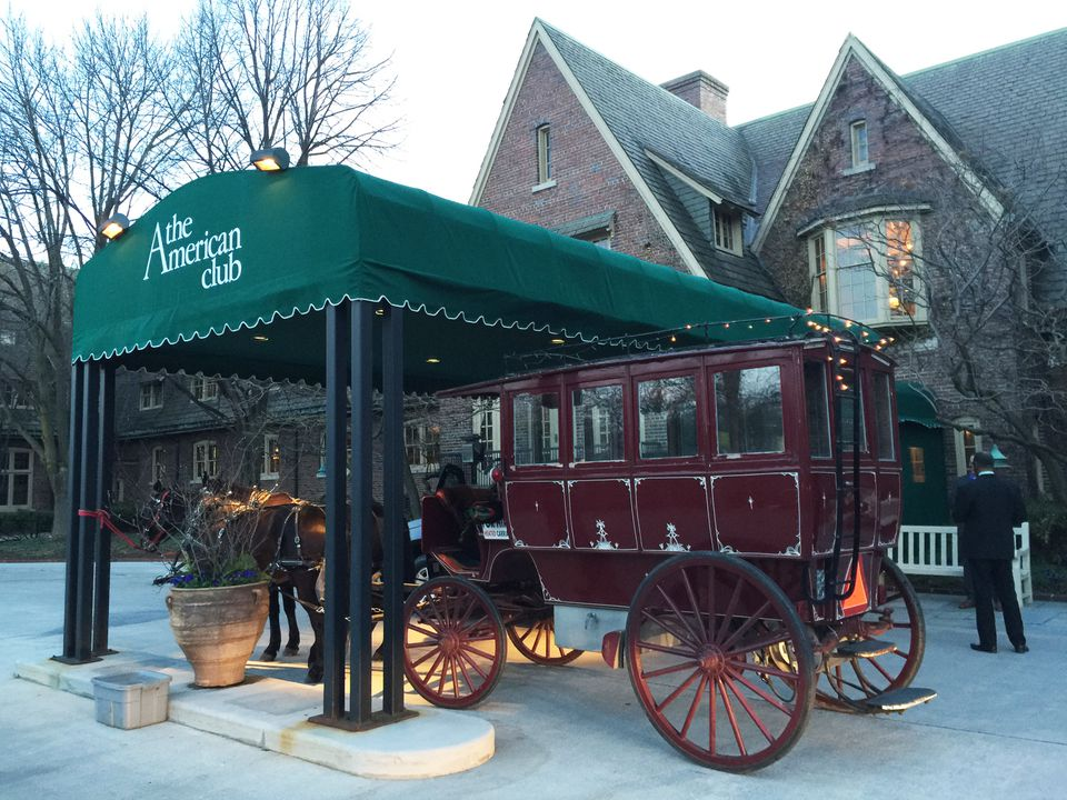 horse-drawn carriage midwest