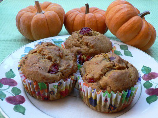 Low Fat Pumpkin Cranberry Muffins