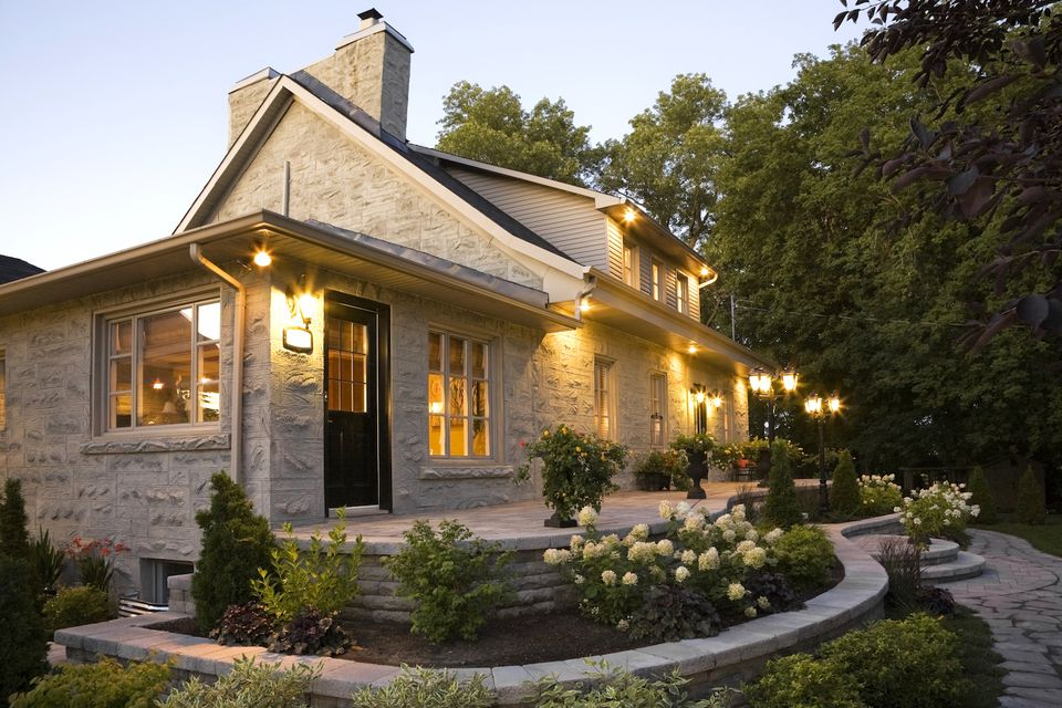 Landscape lighting how to show off your nighttime curb appeal outdoor home lighting tips aloadofball Image collections