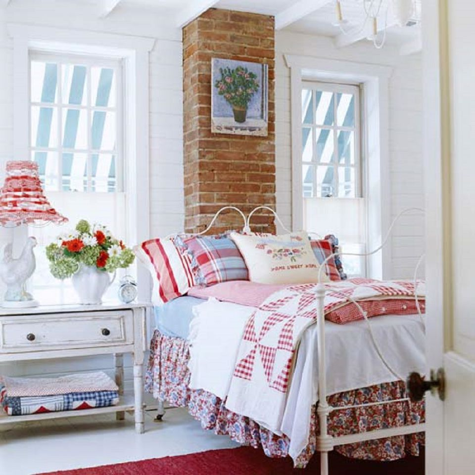 cottage style bedroom. Country Cottage How to Decorate in Style
