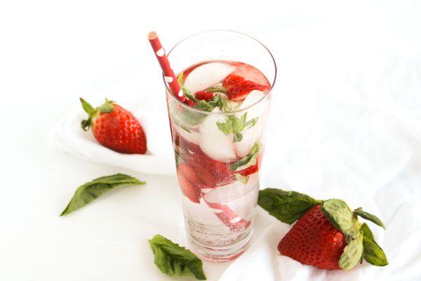 Strawberry basil Sparkler