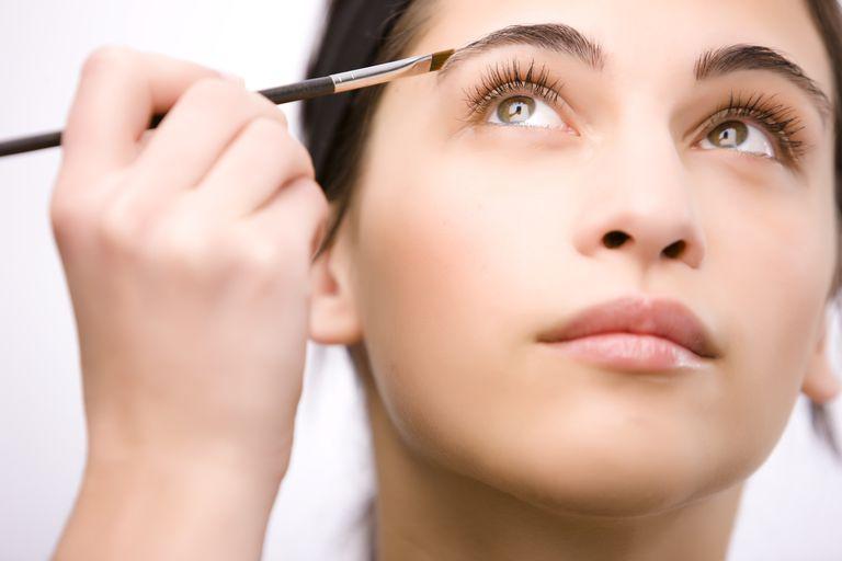 Maquillaje de cejas