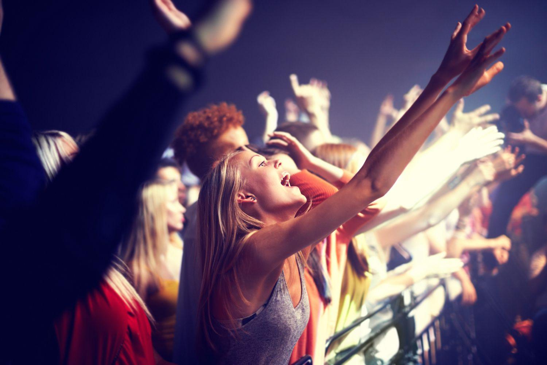 Девушки на концертах фото