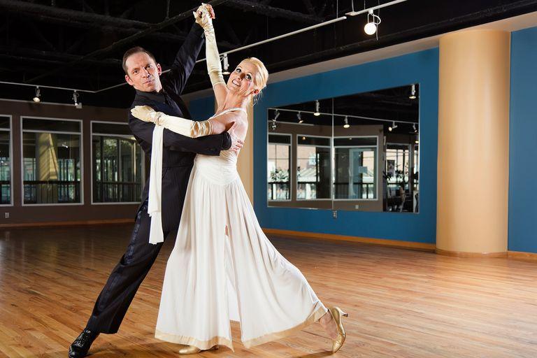 Waltz A C F B Dc E Cc on Basic Ballroom Dance Steps