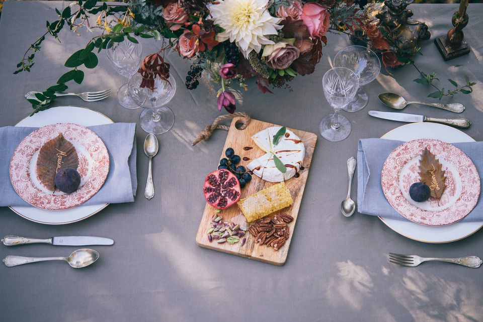 thanksgiving centerpiece and tablescape
