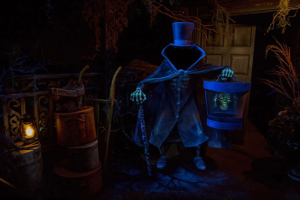 Review Of Disney S Haunted Mansion