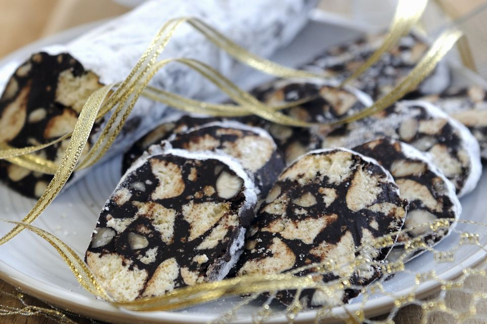 Chocolate biscuit rolls as gifts