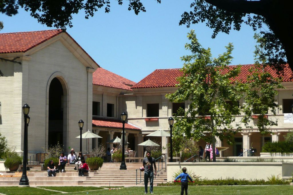 pomona essay help This school is also known as: pomona admissions rate: 10% if you want to get in,  this will help you compete effectively against other applicants who have higher gpas than you  both the sat and act have a writing section that includes an essay pomona college recommends that you take the sat/act writing section if you do.