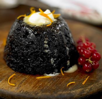3 Traditional Sauces for Your Christmas Pudding