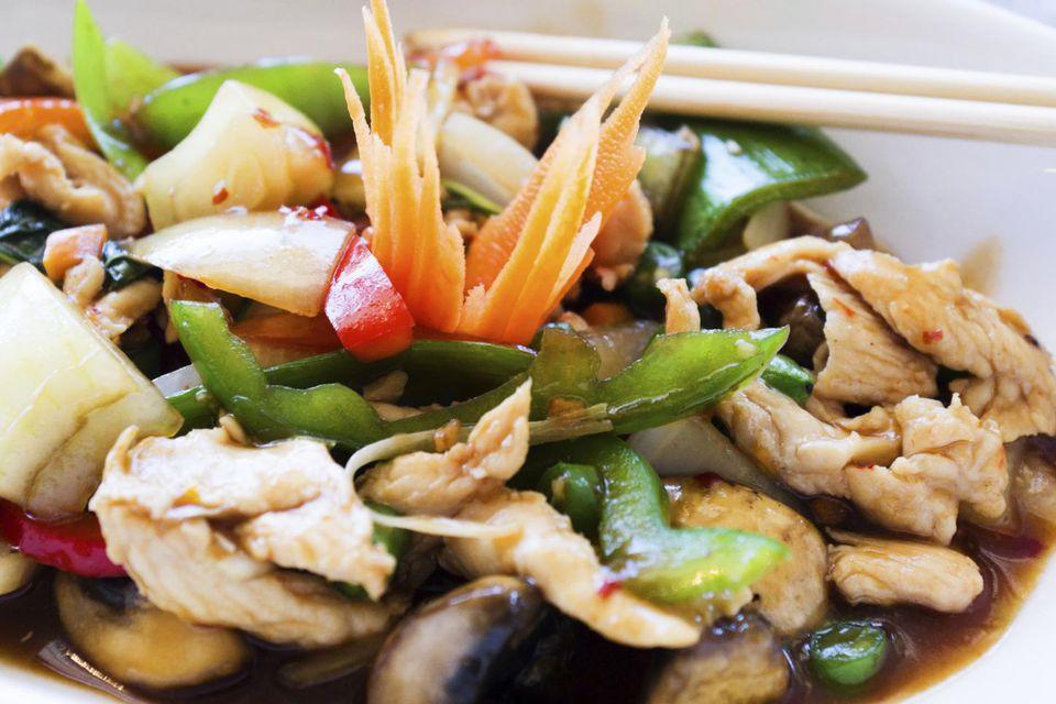 A plate of Chinese moo goo gai pan