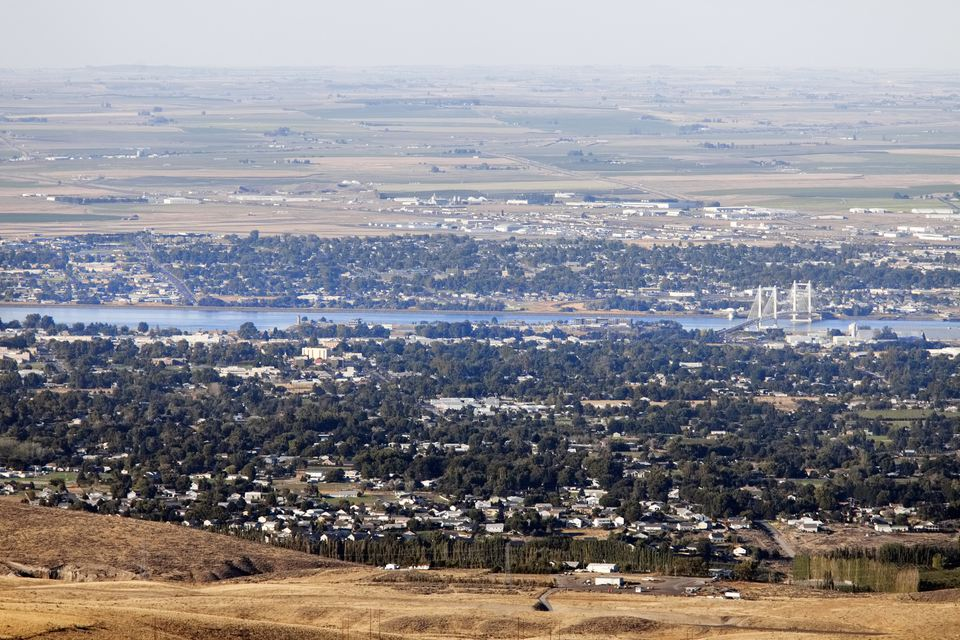'View of Pasco and Kennewick, two of the Tri-Cities, Washington State.Kennewick is in the foreground, Pasco in the background. Picture taken from the top of Jump Off Joe hill, looking towards the North.'