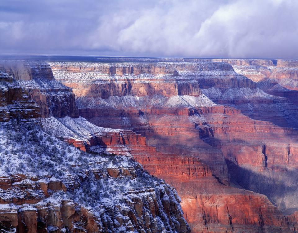 USA, Arizona, Grand Canyon with snow, South Rim