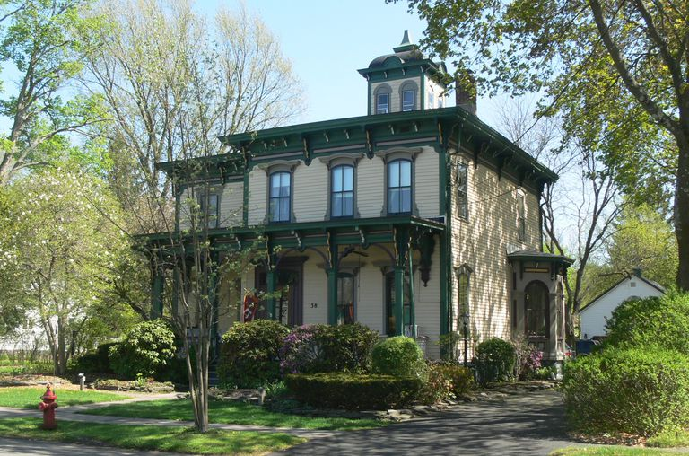Italianate Lewis House In Upstate New York