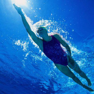 Learn to swim backstroke video