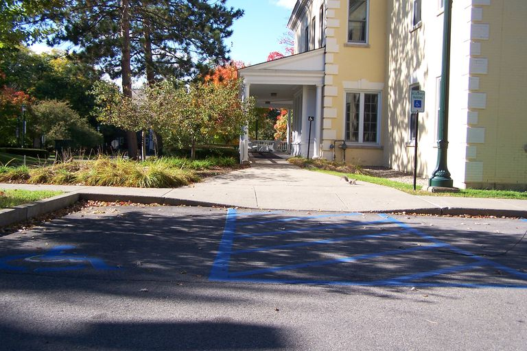 Accessible route from parking lot to building at Union College