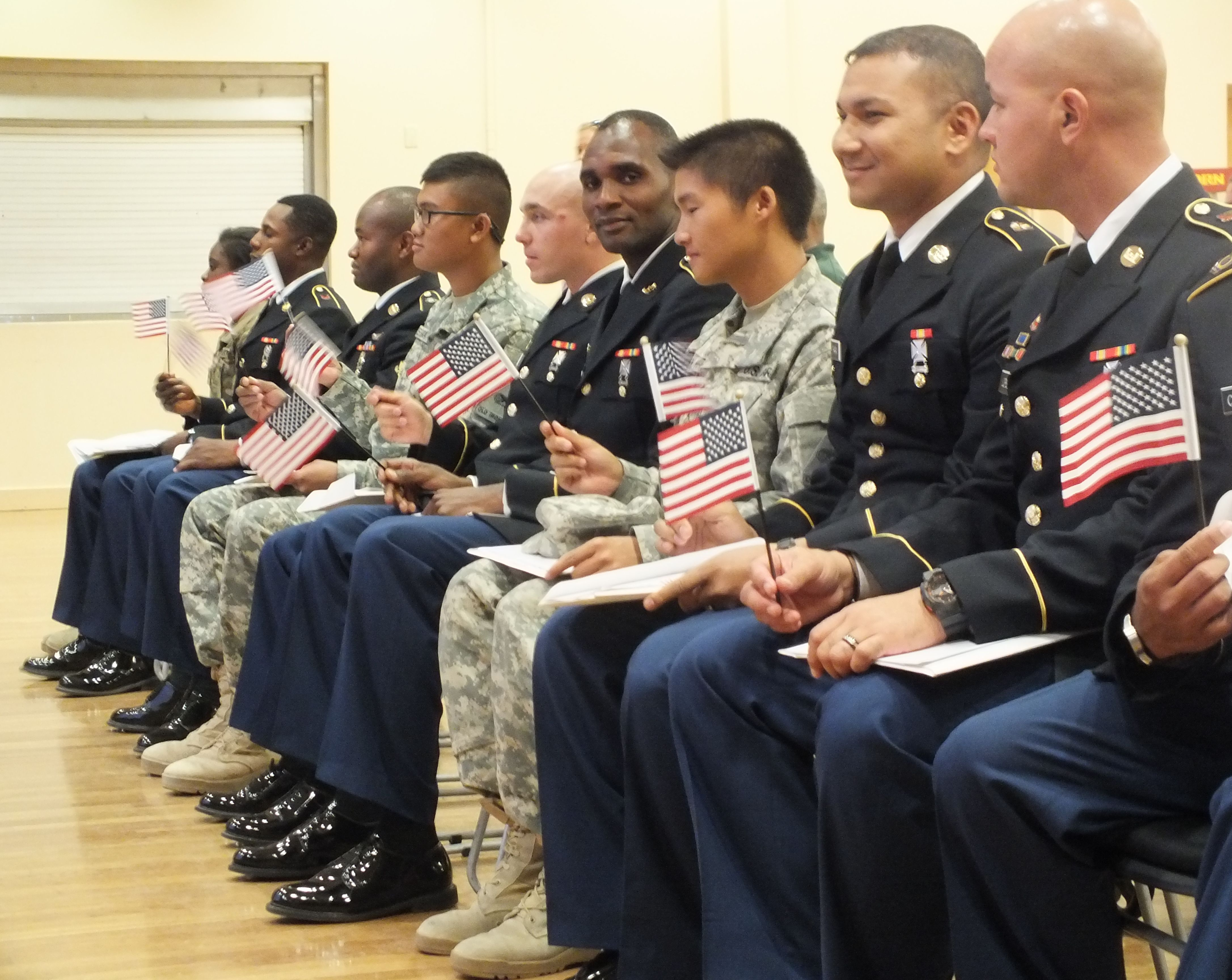 single parents serving in the military Plenty of women have succeeded in the military and were single parents n are already serving any parent can face that's why military moms are the.