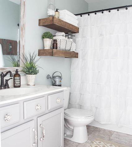 16 Modern Farmhouse Bathrooms Color Paint Wallpaper