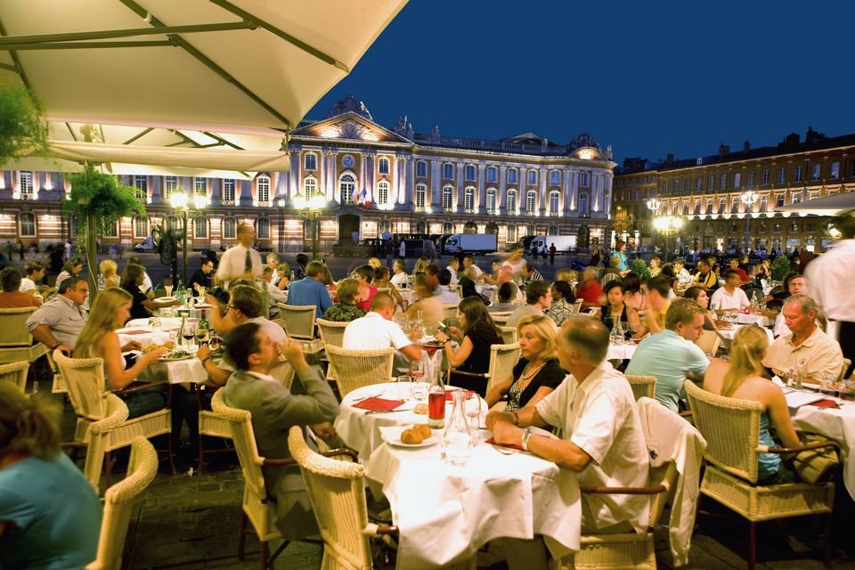 Dining in Capitole Square, Toulouse
