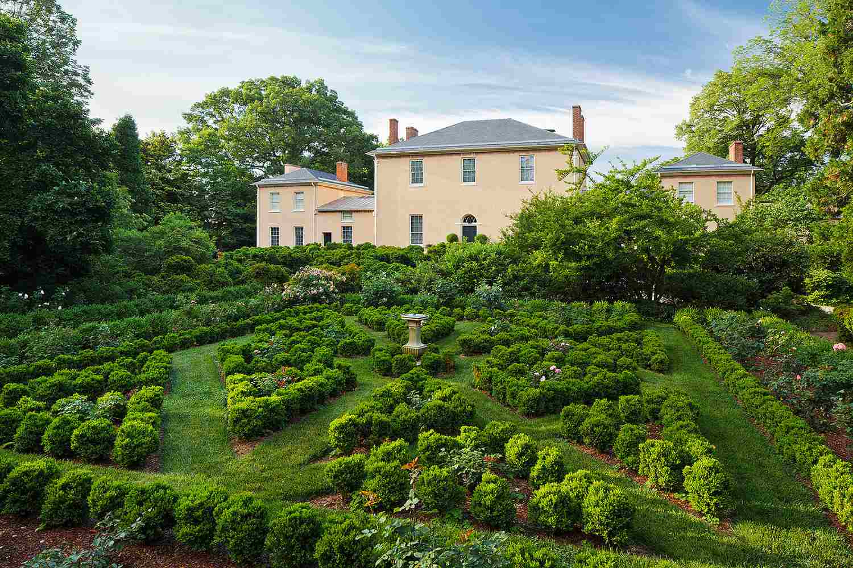 15 Best Gardens in the Washington, DC Capital Region