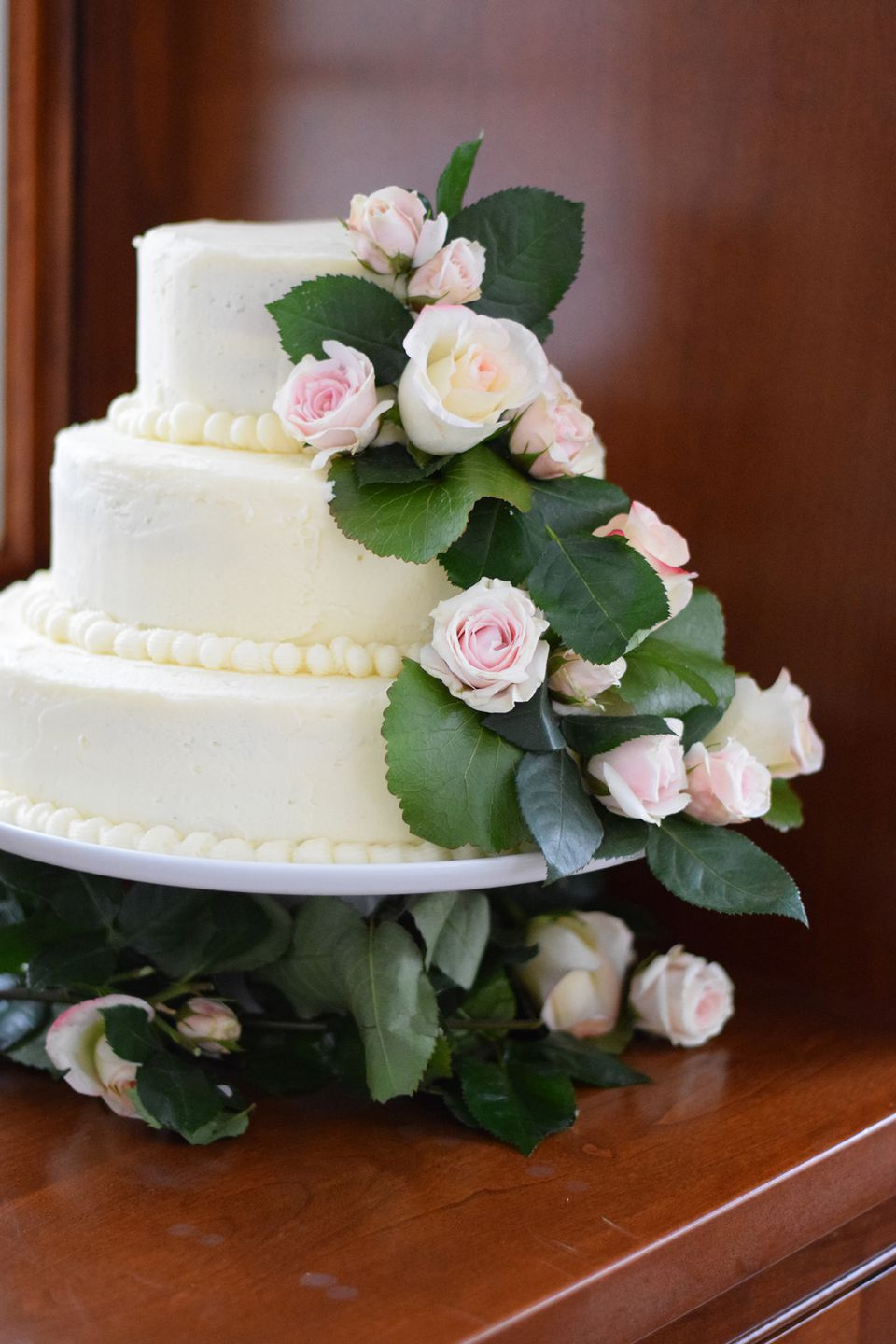 How to bake and decorate a 3 tier wedding cake wedding cake junglespirit Gallery