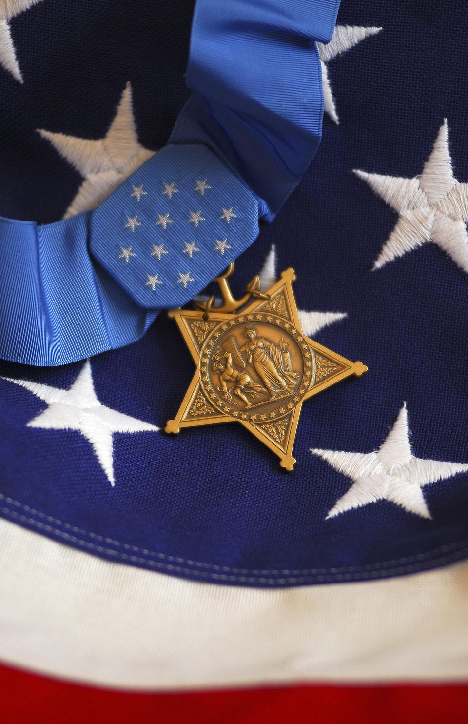 medal of honor and flag