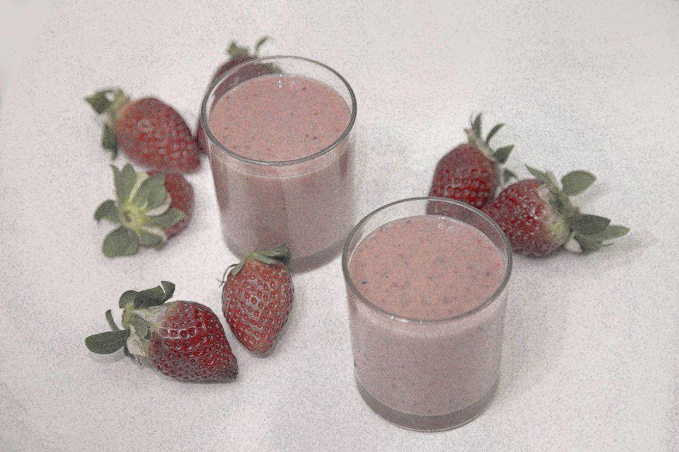 strawberry-milkshake-getty-3867-x-2578.jpg